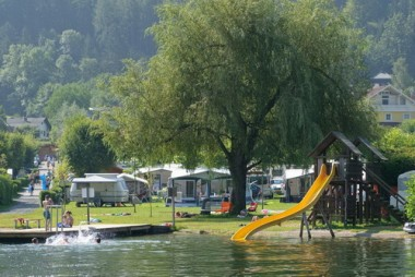 Kinderrutsche am Ossiacher See
